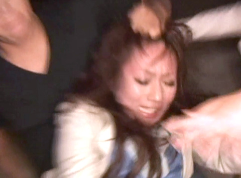 武田沙樹 暴行 リンチ 集団強姦レイプされる女 AVエロビデオ 画像 05