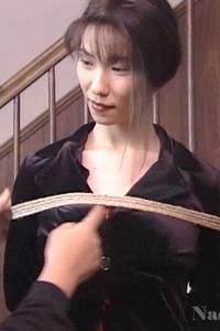 山口珠理20代 拷問緊縛でがちがちに縛られる女の画像 01