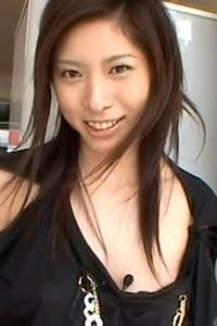 立花里子 脅されて乳ビンタ イラマチオする女の画像