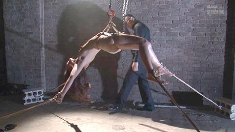 結城みさ 拷問ハードSM 残酷鞭打ち 拷問緊縛 逆さ吊り AVエロ画像 07