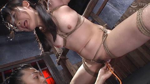 宮崎あや 残酷SM調教 一本鞭 吊られて一本鞭 拷問調教される女 35