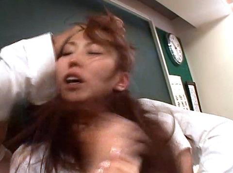 鷹宮りょう 暴虐 ビンタ 集団レイプされる女のAVエロ画像14