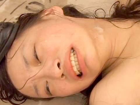 学校の集団虐め 集団リンチ AV画像 椎名りく25