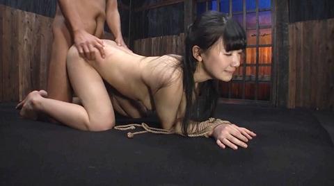 星川麻紀 一本鞭乱打責め 強制飲尿 SM調教される女のAV画像 43