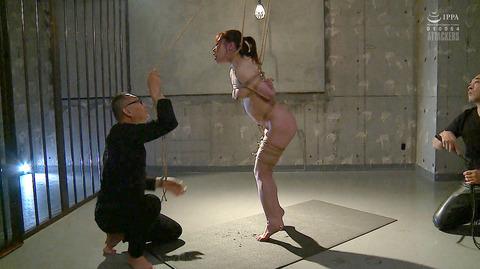 松ゆきの 胸鞭連打 首吊り 拷問 残酷SM調教される女のエロ画像 28