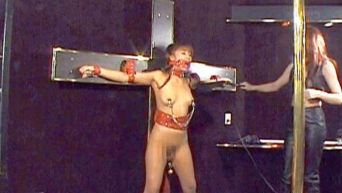星せいな ヨーロッパSM ミストレスにSM調教される女のエロ画像 13