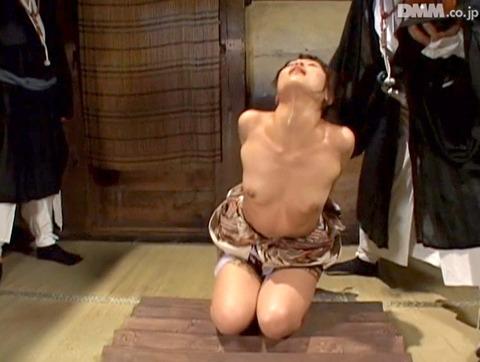 Maika 水上真理 水責め 三角すのこ責め 拷問SM AV画像09
