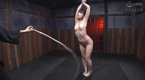 宮崎あや 残酷SM調教 一本鞭 吊られて一本鞭 拷問調教される女 55