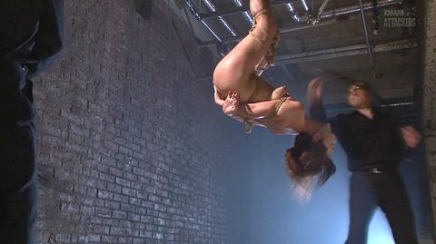結城みさ 拷問ハードSM 残酷鞭打ち 拷問緊縛 逆さ吊り AVエロ画像 51