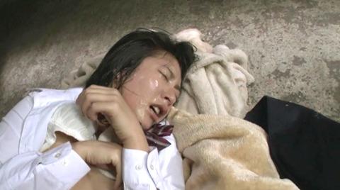 阿部乃みく 集団強姦 乱雑踏まれビンタレイプされる女エロAV画像184