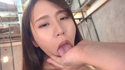 中尾芽衣子 靴を舐め ビンタされ 鞭打たれる 女の AV エロ 画像 173