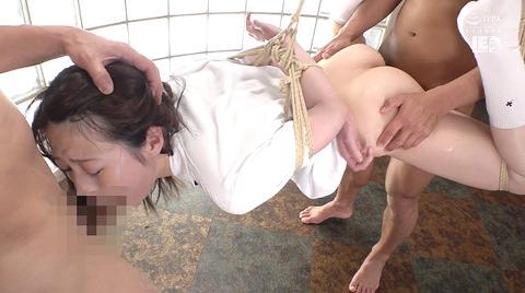 上川星空 麻縄緊縛 自由を奪われ嬲り犯される女のエロ画像 26