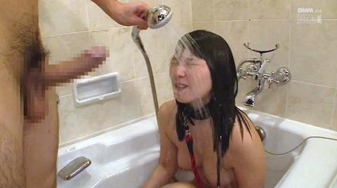 上原亜衣 ビンタ 足舐め イラマチオ 奴隷調教される女の画像 16