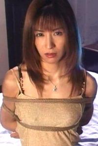 岡崎美女 屈辱の言いなり緊縛奴隷 SM調教 AV エロビデオ画像 00