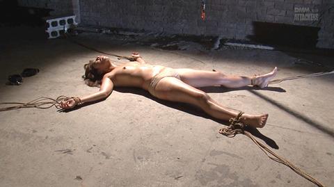 結城みさ 拷問ハードSM 残酷鞭打ち 拷問緊縛 逆さ吊り AVエロ画像 11