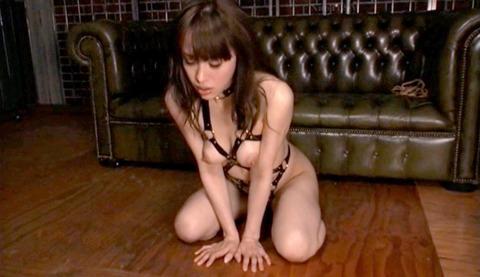あいかわ優衣 ビンタ 足舐め 逆さ吊りでSM調教 女のエロ画像 18