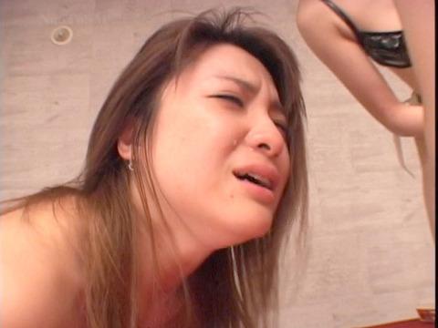 za8_30 レズSM SM飲み会 SMパーティ 惨めなマゾ女 のAV画像