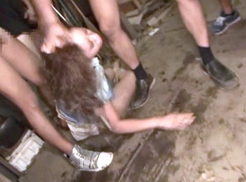 上原まみ 集団強姦 集団リンチ 集団レイプ される女 AV エロ 画像 44