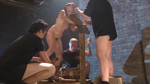 結城みさ 拷問ハードSM 残酷鞭打ち 拷問緊縛 逆さ吊り AVエロ画像 13