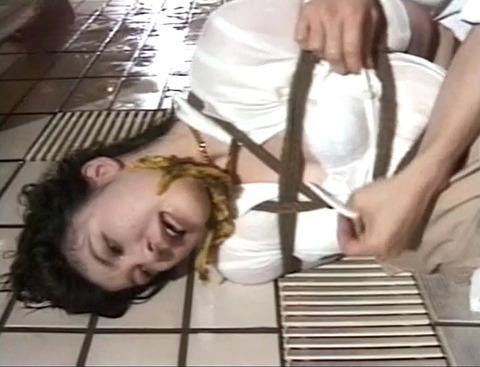 倉本かすみ 水責めされて溺れさせられて 乳首責めされる女 13