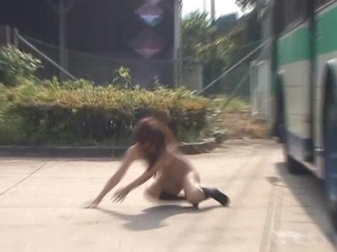 隠し撮り画像、全裸露出で路上放置される女254_31