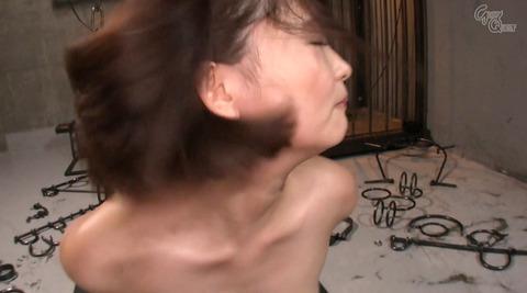 妃月るい ビンタされて乳首をつねられて虐められる女の画像111