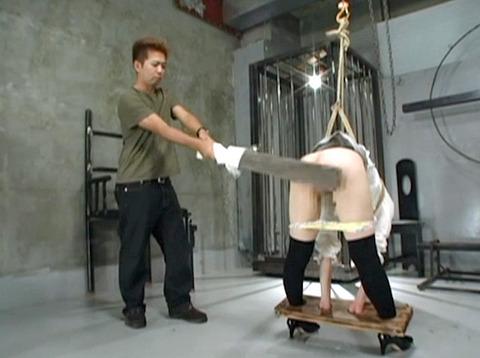 SM拷問 一本鞭乱打AVエロ画像 za4_04