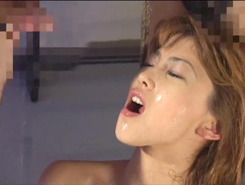 桜田さくらM女時代 足舐め 床舐め 強制飲尿 屈辱調教されるM女 43