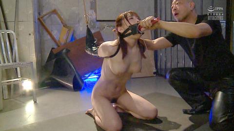 松ゆきの 胸鞭連打 首吊り 拷問 残酷SM調教される女のエロ画像 76