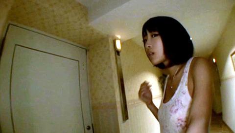 小倉ゆず 足を舐めフェラさせられて玩具にされる女の画像 43