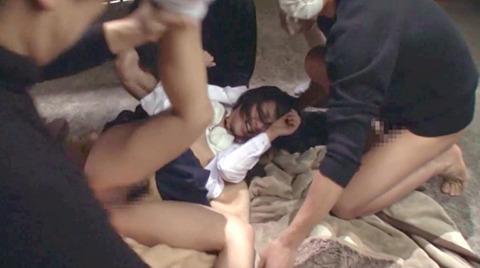 阿部乃みく 集団強姦 乱雑踏まれビンタレイプされる女エロAV画像160