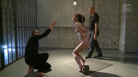 松ゆきの 胸鞭連打 首吊り 拷問 残酷SM調教される女のエロ画像 35
