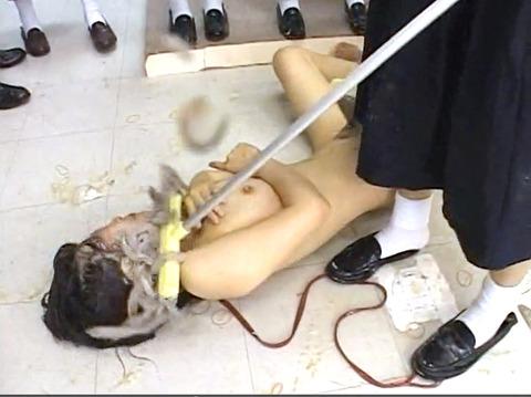 残酷でエグイ 女同士の 集団同性いじめリンチレイプ エロ画像 za9_27