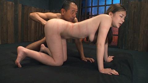 鶴田かな 一本鞭 強制飲尿 拷問SM調教エロAV画像 42