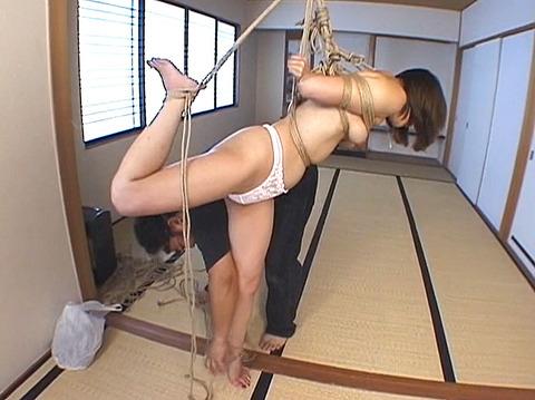 浜野美砂 SM調教 麻縄で縛られて吊られる女のAVエロビデオ 09
