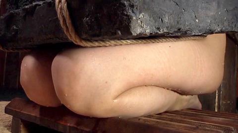 美咲結衣 SM拷問調教 苦痛の石抱正座 ビンタSM調教画像158