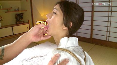 麻生希 緊縛フェラチオ イラマチオさせられる女のAVエロ画像 05