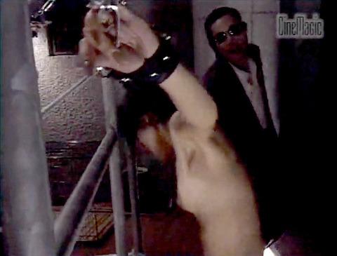 野口由香 鞭打ち 水責め 逆さ吊り SM調教画像 2000年代SMビデオ 14