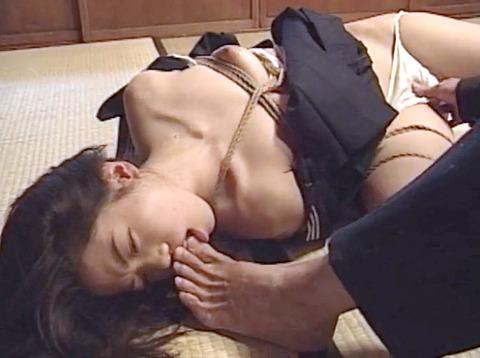 工藤綾美 SM調教フルコース 足舐め 水責め 緊縛 服従AVエロビデオ 10