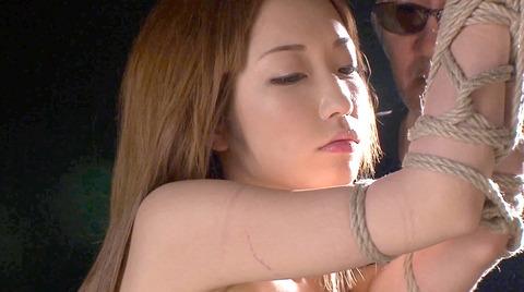 杏樹紗奈 鞭責めSM調教 輪姦される女 AVエロ画像 anjusana17