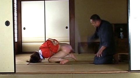 中野千夏 水責め 鞭責め 残酷SM調教される女の画像 92