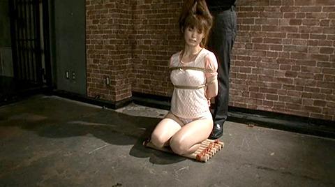 樹花凛 ビンタされる女 首吊り すのこ正座 拷問SMエロ画像 115