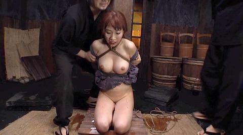 美咲結衣 SM拷問調教 苦痛の石抱正座 ビンタSM調教画像160