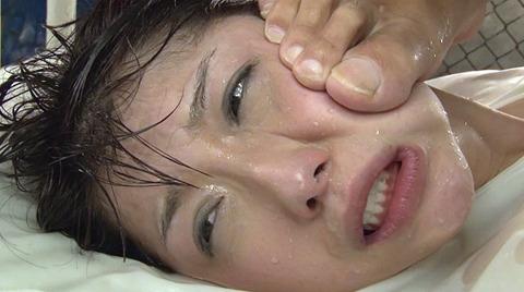 加藤ツバキ 徹底水責め調教 踏みつけ輪姦 AVエロビデオ画像 72