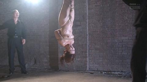 結城みさ 拷問ハードSM 残酷鞭打ち 拷問緊縛 逆さ吊り AVエロ画像 40