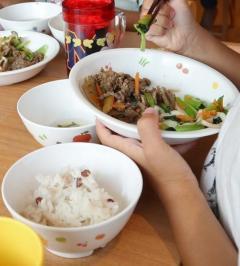 突然の休校、給食業者に衝撃 「涙止まらない」国に補償要求へ 発注済み2万食どうなる