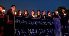 集団性暴行した男性を通報した女性が体に火を付けられ殺される インド