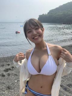 爆乳過ぎる女子高生・寺本莉緒 久しぶりの水着投稿でファン歓喜