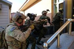 北朝鮮のクリスマスプレゼント警告に…米軍が「北襲撃」訓練映像を異例の公開