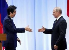 ロシア、2島返還協議入りも拒否 政権支持率低下を懸念